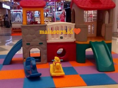 deluxe playhouse